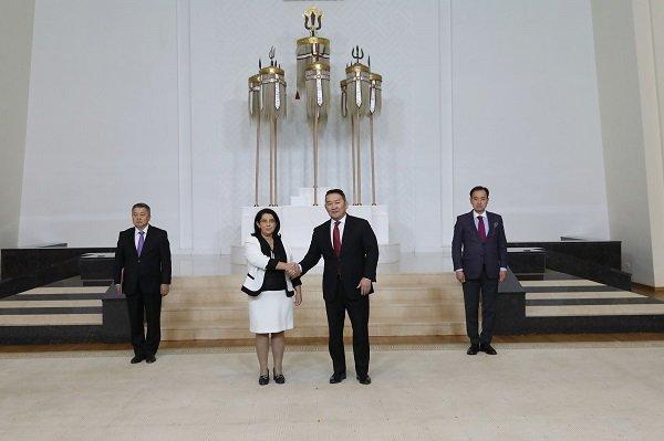 Бүгд Найрамдах Итали улсаас Монгол Улсад суух Элчин сайд Лаура Ботта Итгэмжлэх жуух бичгээ өргөн барилаа
