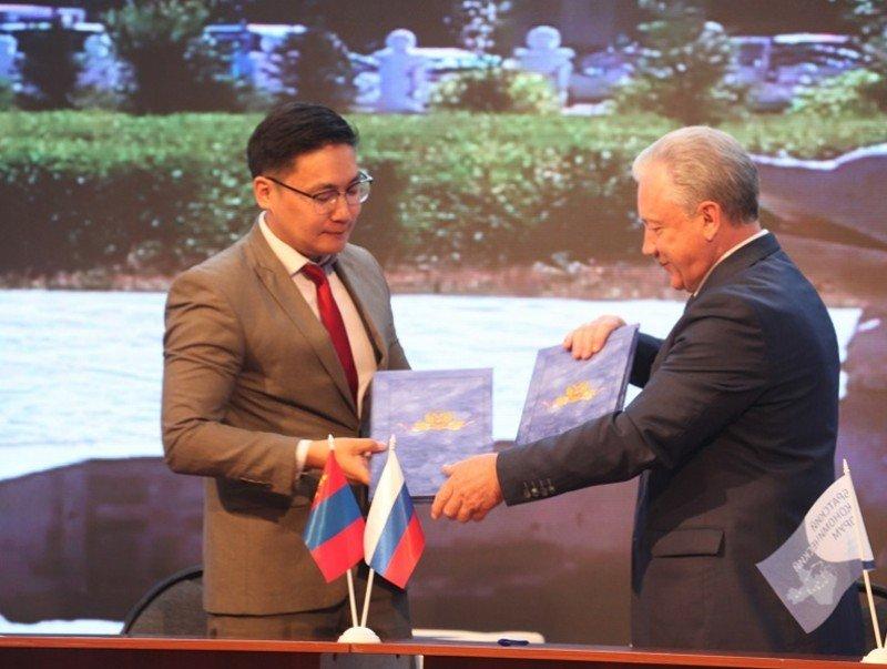 Дархан-Уул аймаг ОХУ-ын Эрхүү мужийн Братск хоттой харилцаа, хамтын ажиллагаа тогтоолоо