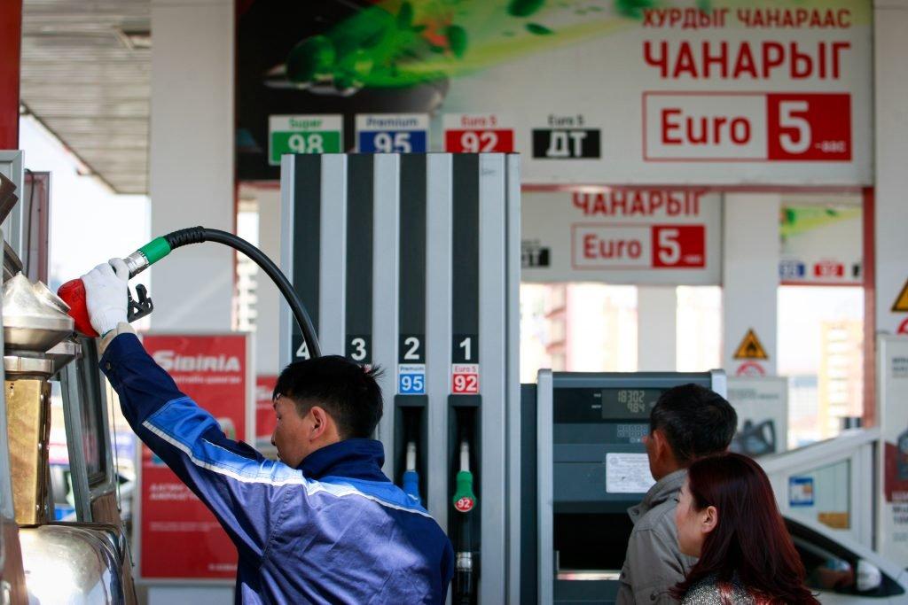 ШТС-ууд бензин дутуу шахаж байгаа эсэхэд хяналт хийж байна
