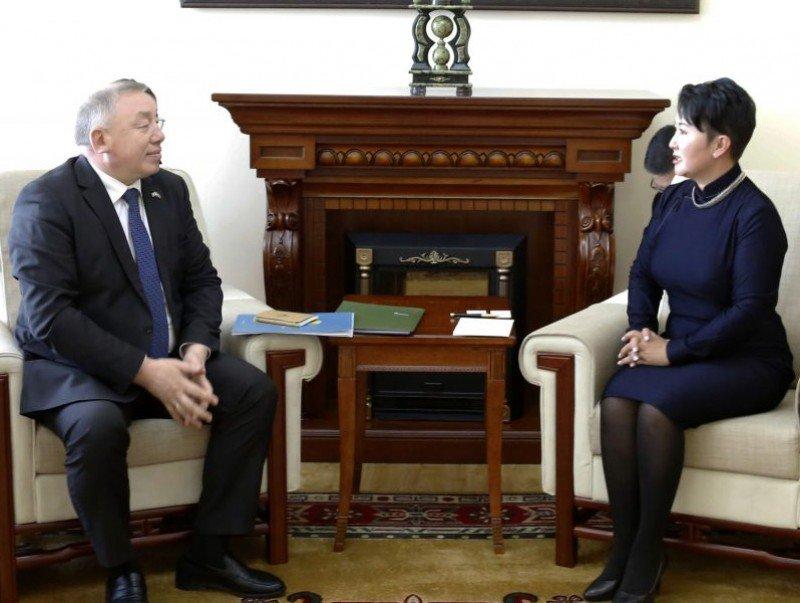 Бүгд Найрамдах Казахстан Улсаас Монгол Улсад суух Элчин сайд Жалгас Адылбаевыг хүлээн авч уулзав