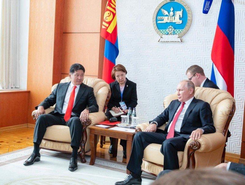 Монгол Улсын Ерөнхий сайд У.Хүрэлсүх ОХУ-ын Ерөнхийлөгч В.В.Путинд бараалхав