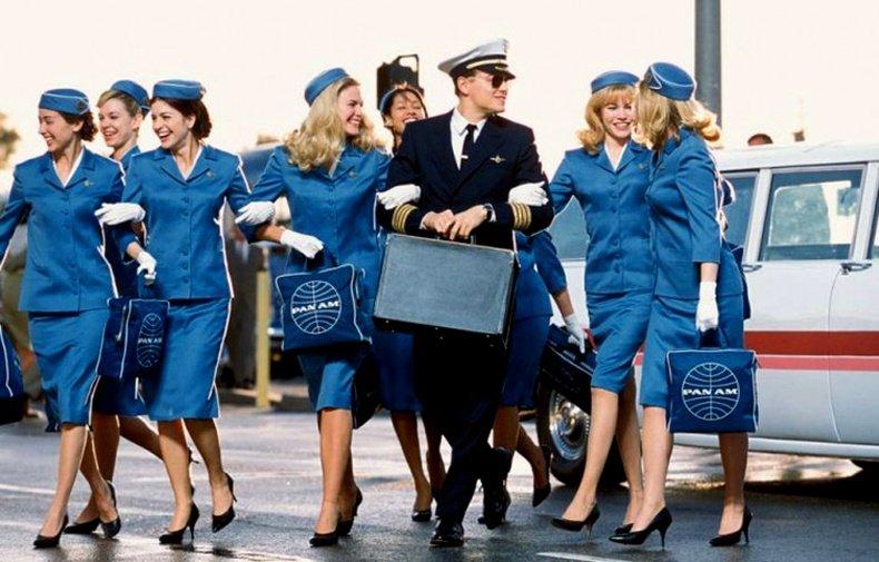 Онгоцны үйлчлэгч нарын сонирхол татам амьдрал