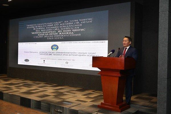 """Монгол Улсын Ерөнхийлөгч Х.Баттулга реалист уран бүтээлчдийн """"Өв"""" үзэсгэлэнгийн нээлтэд оролцож, үг хэлэв"""