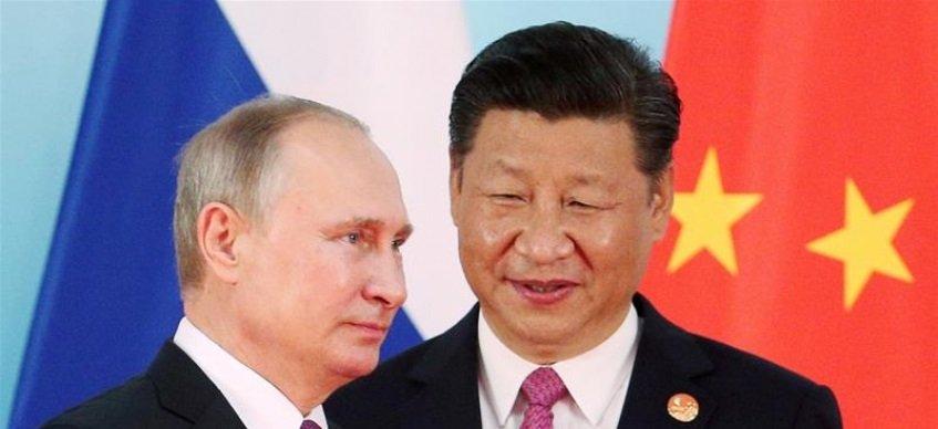 Ши Жиньпин, Владимир Путин нар 30 гаруй баримт бичиг үзэглэнэ