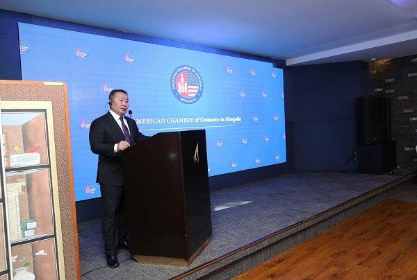 Монгол Улсын Ерөнхийлөгч Х.Баттулга АмЧам-ын уулзалтад оролцож, хөрөнгө оруулагчдын сонирхсон асуултад хариуллаа