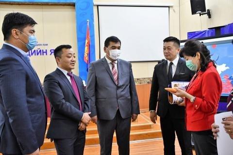 Монголын морин спорт уяачдын холбоо 120 сая төгрөг хандивлалаа