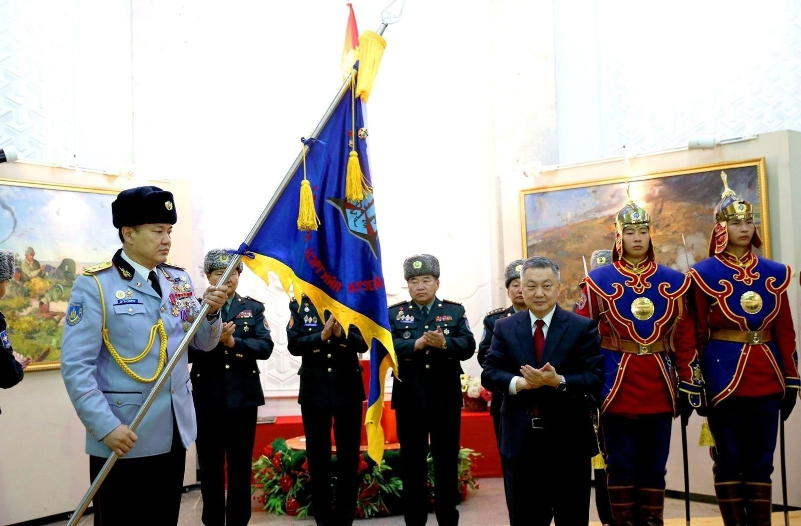 Монгол Цэргийн музейг