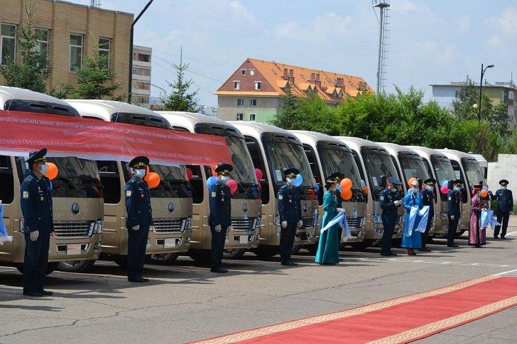 БНХАУ-ын Батлан хамгаалахын сайд айлчлалын үеэрээ буцалтгүй тусламжийн автомашинууд өгчээ