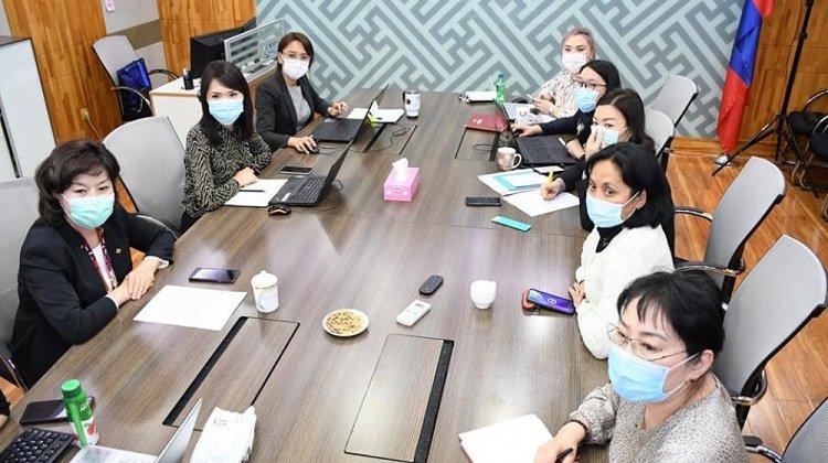 """ЭМЯ-ны """"Антикорона"""" баг бүх шатны эрүүл мэндийн байгууллагуудад мөрдөх зааврыг гаргажээ"""