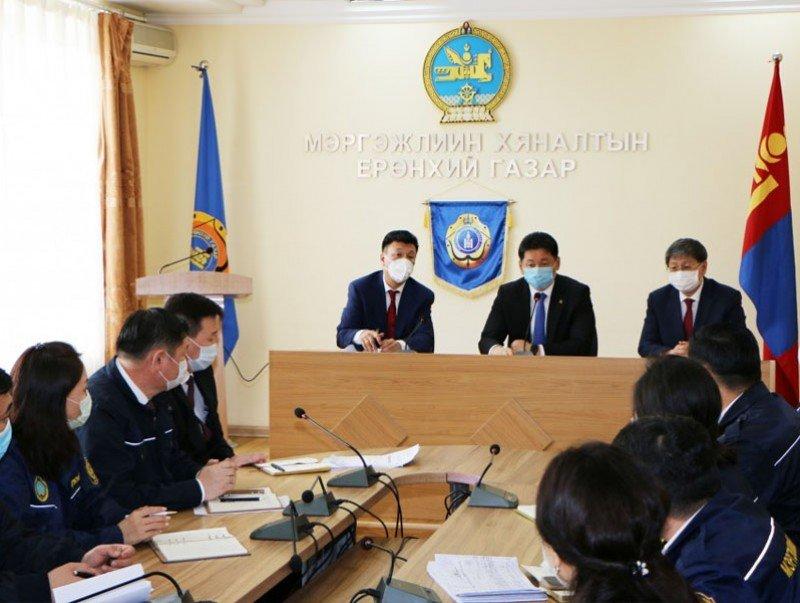 Монгол Улсын Ерөнхий сайд У.Хүрэлсүх мэргэжлийн хяналтын байгууллагад ажиллалаа