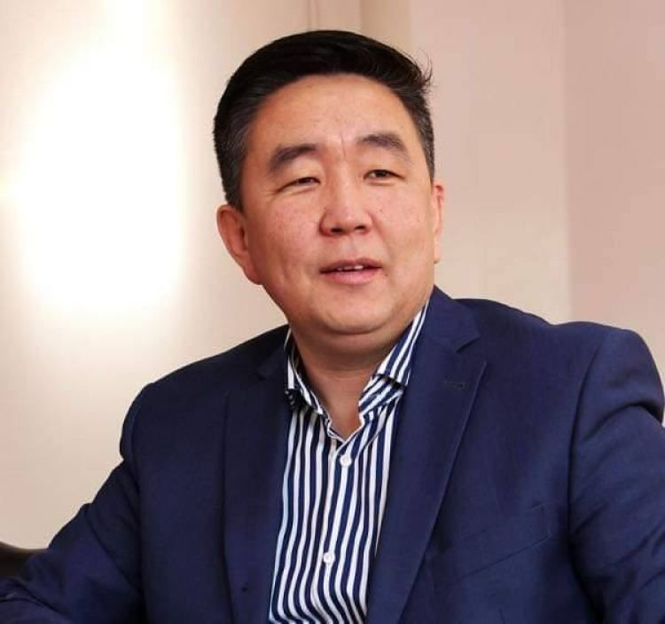 Д.Мөнх-Эрдэнэ: Дарангуйлагч С.Эрдэнийг шинэчилж чадаагүй залуучууд Монголыг шинэчилж чадахгүй