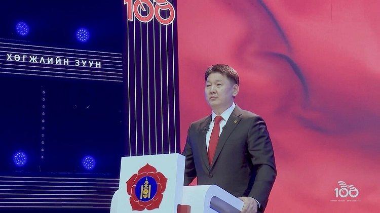У.Хүрэлсүх: Бидэнд хөгжих боломж бүрэн байна.  Гагцхүү үр хойчийнхоо төлөө улс үндэстнээрээ хичээн зүтгэж, хүн бүр хөдөлмөрлөх явдал чухал байна