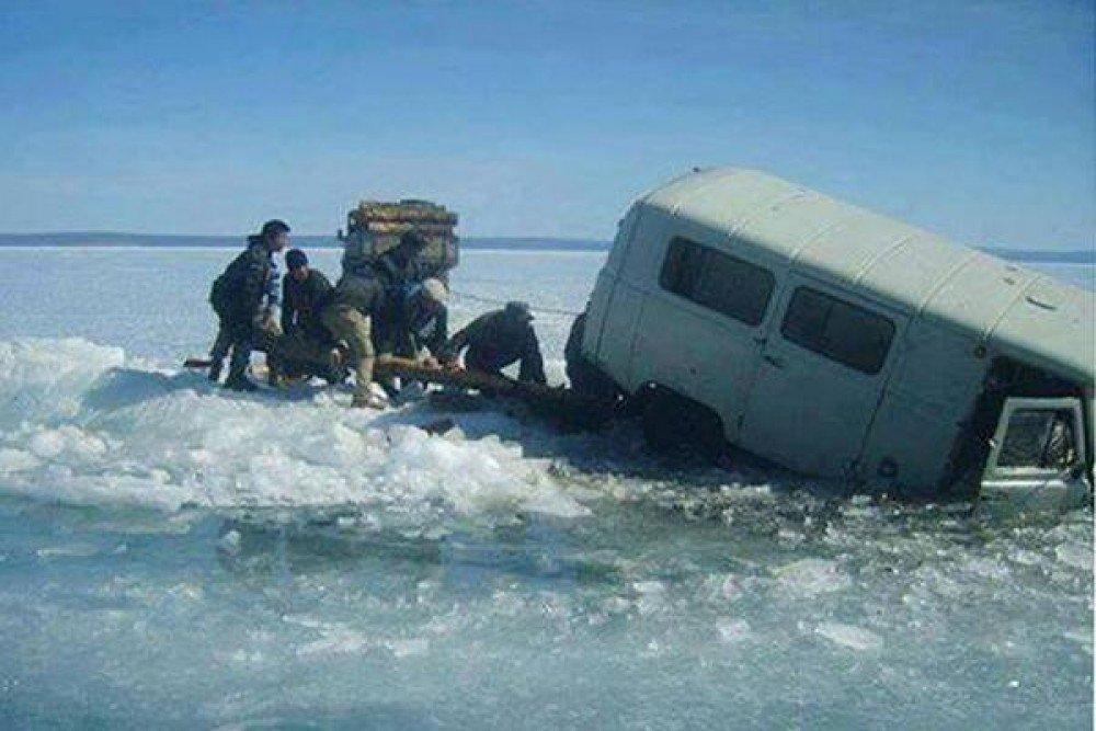 Мөсөн дээгүүр явах болон авто тээвэр хийхгүй байхыг онцгойлон анхааруулж байна