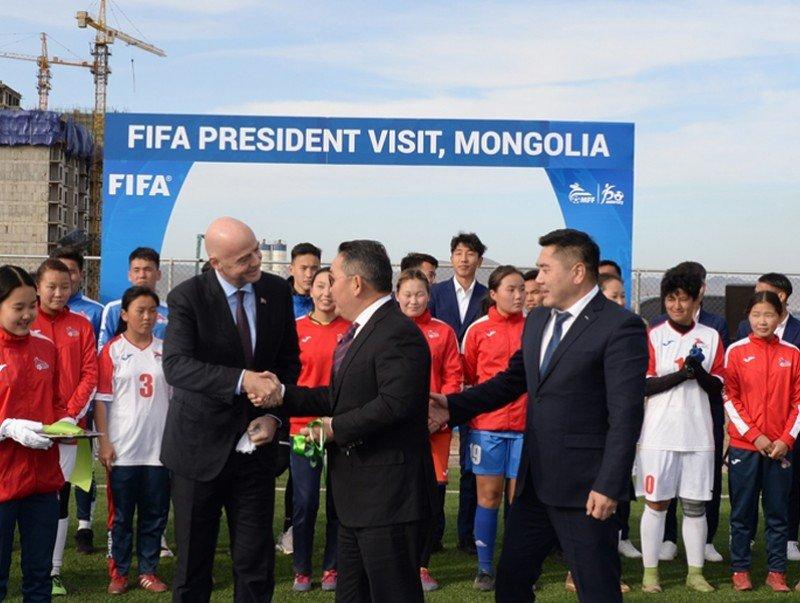 Ерөнхийлөгч Х.Баттулга Яармаг дахь хөлбөмбөгийн талбайн нээлтэд оролцов