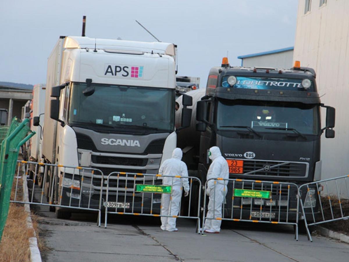 ЗГ: Алтанбулаг боомтоор хил нэвтрэх ачаа тээврийн хөдөлгөөнийг зогсоох хугацааг сунгалаа