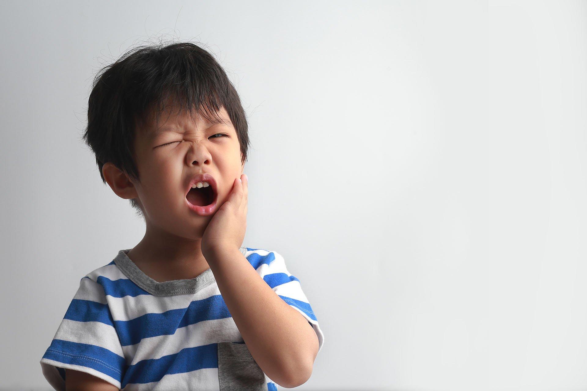 Хүүхдийн шүдний цоорол болон учирч болох хүндрэлүүд