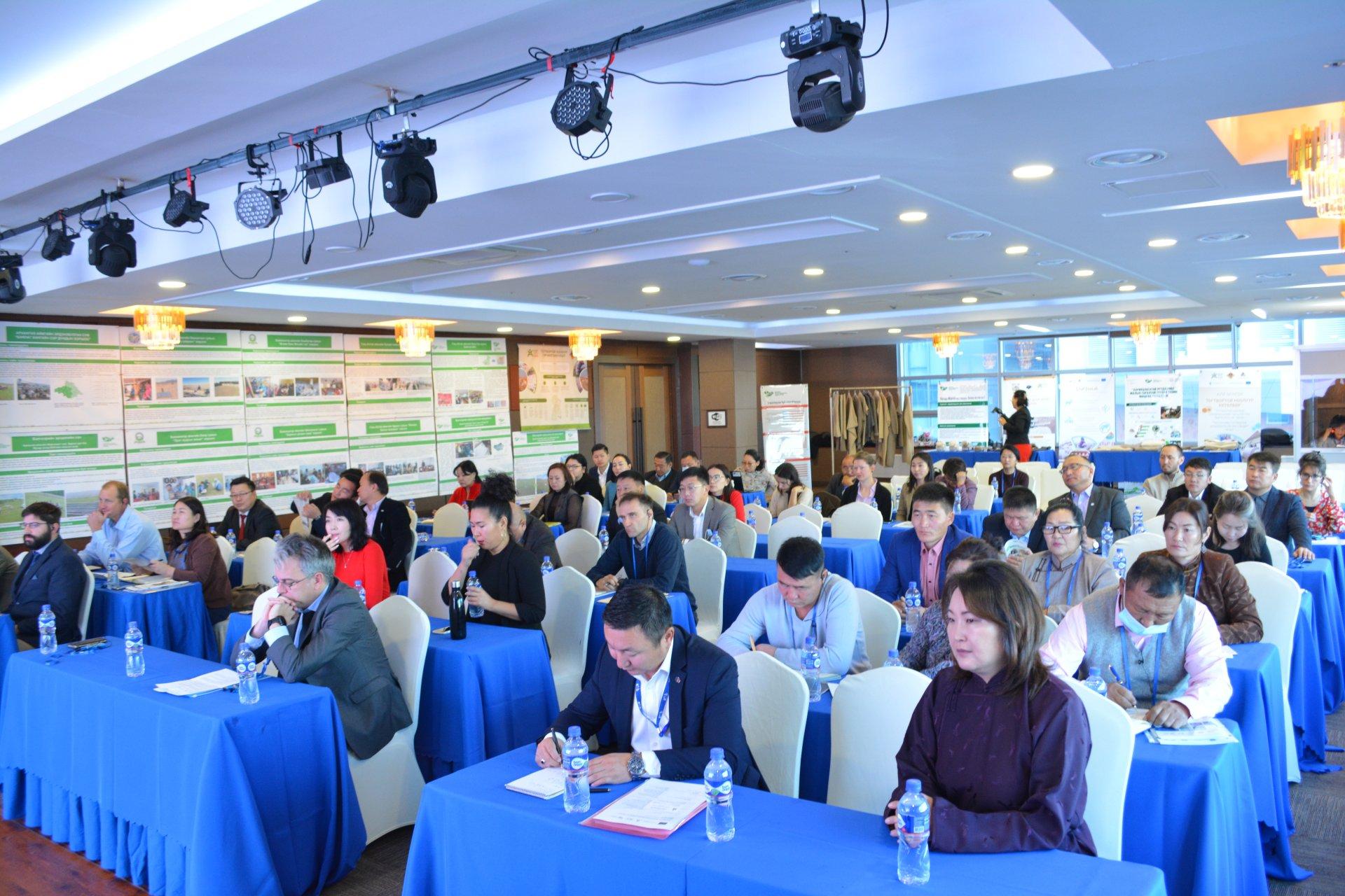 Монголын ноос, ноолуурын салбарт тогтвортой байдлыг хангах асуудлаар зөвлөлдөж байна