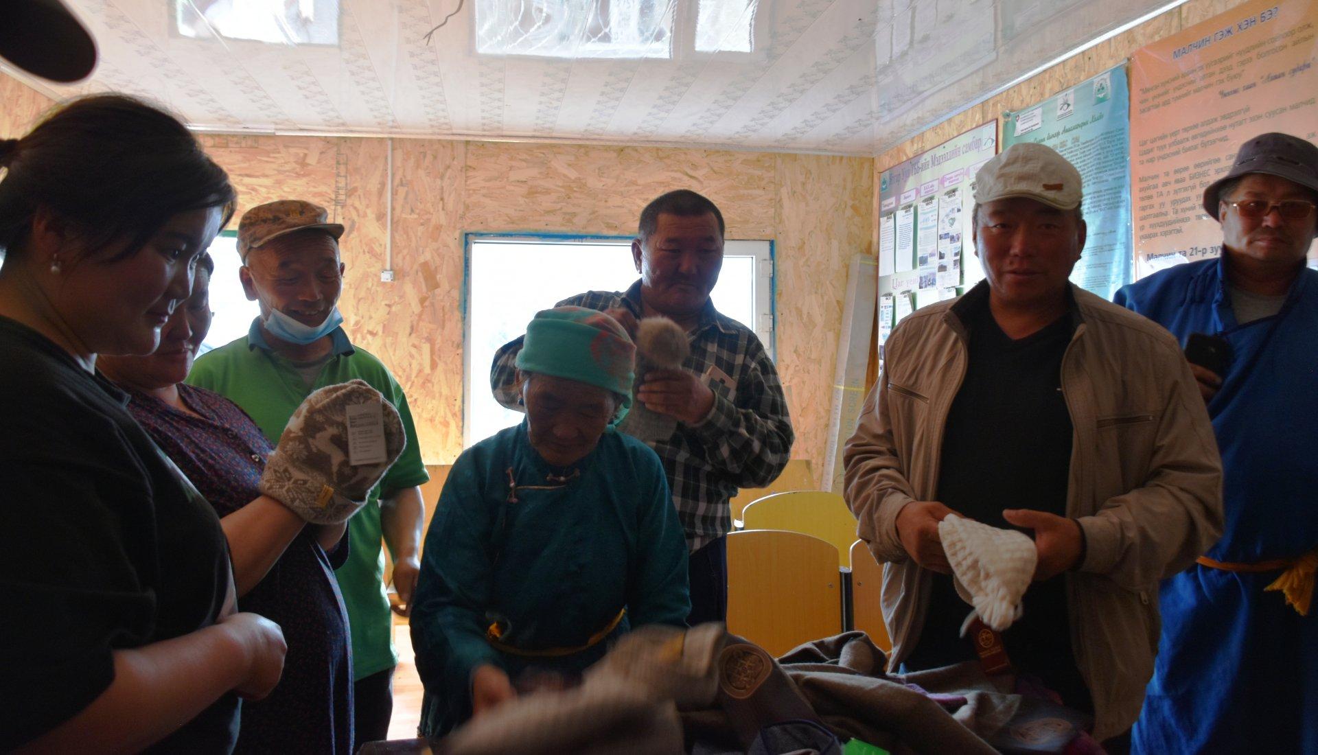 Үйлдвэрлэгч болон малчдын хамтын ажиллагаа бэхжиж байна