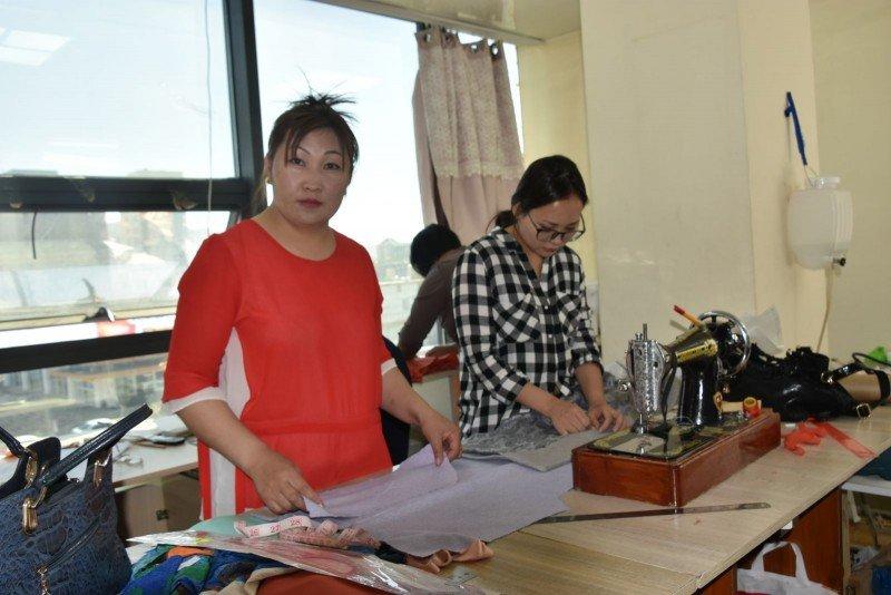 Завхан нутгийн малчин эмэгтэйчүүд оёдлын сургалтанд хамрагдлаа