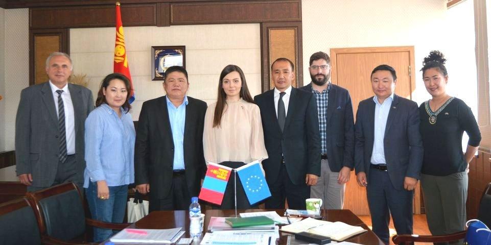 Европын Холбооны Төлөөлөгчийн газрын ажлын бүрэлдэхүүнSTeP EcoLabтөслийн үйл ажиллагаатай танилцлаа