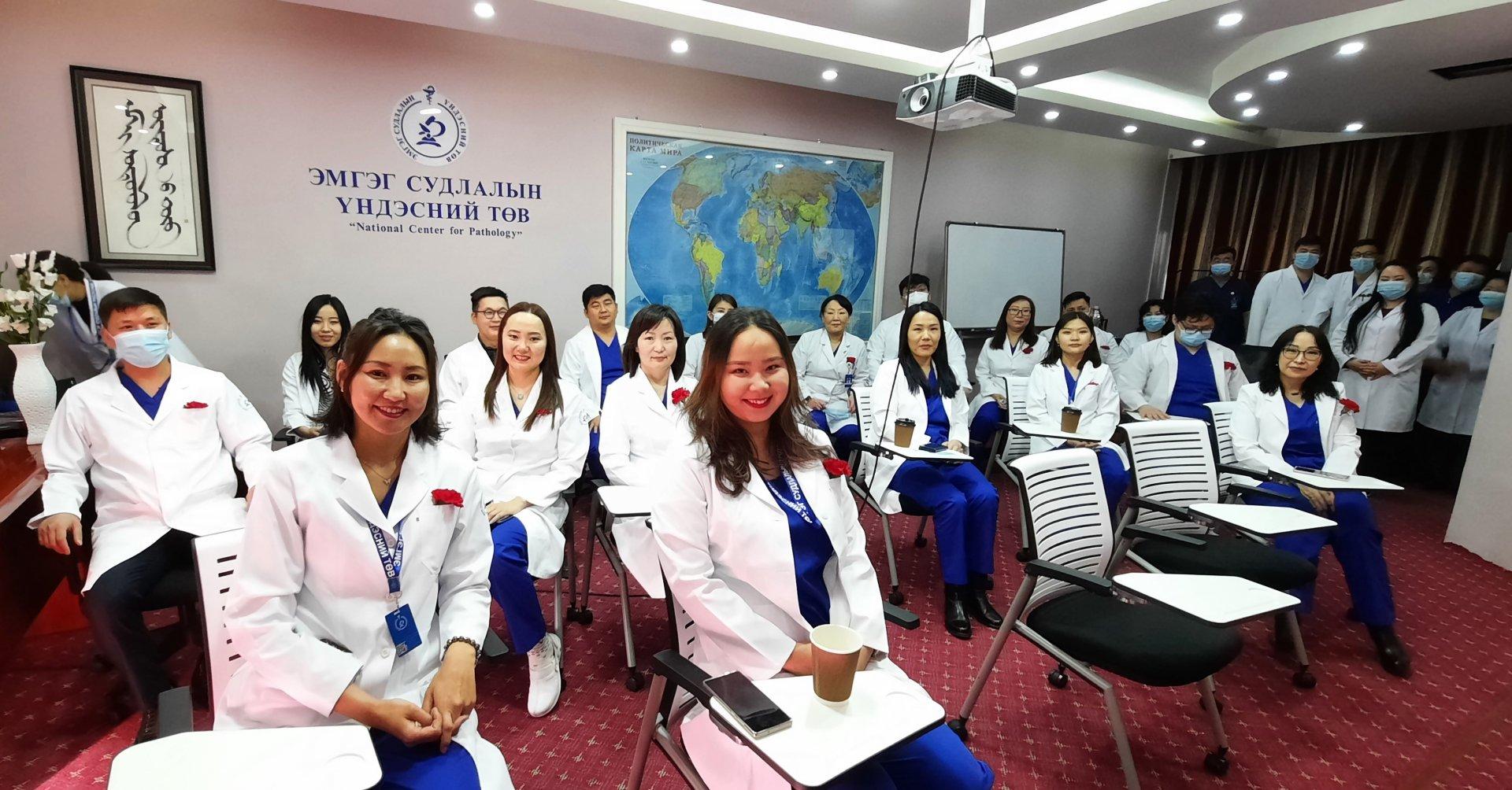 Дэлхийн эмч нарын өдрийн баярын мэнд хүргэе