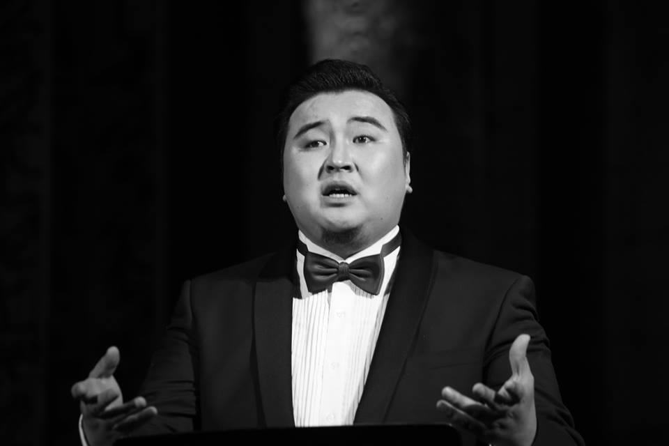 """Э.Анхбаяр: Монгол дуугаар Б.Шарав багшийн  """"Монголын тал нутаг""""-ийг сонгож дууллаа"""