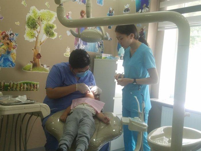 """""""Эрүүл шүд-Эрүүл хүүхэд"""" хөтөлбөрт иргэд ам сайтай байна"""