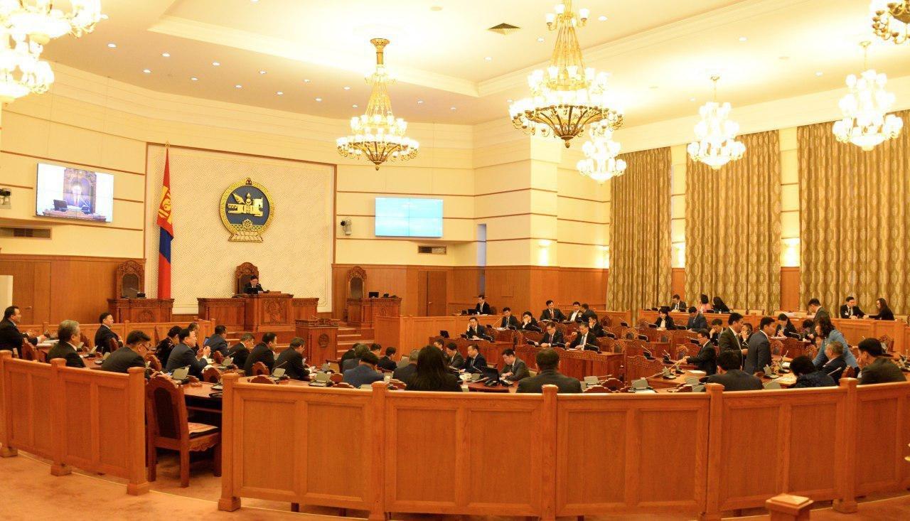 ЧУУЛГАН: Улсын Их Хурлын сонгуулийн тухай хуулийн төслийг баталлаа