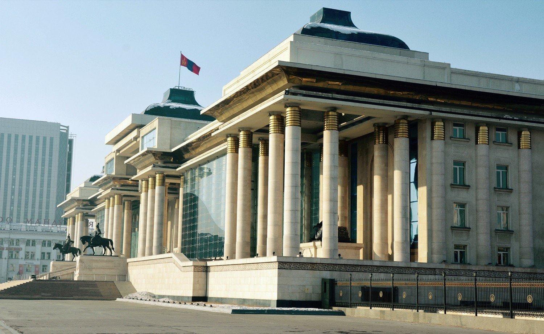 Чуулган: ҮХЦ-ийн Монгол Улсын Ерөнхийлөгчийн сонгуулийн тухай хуулийн зарим заалт нь Үндсэн хуулийг зөрчсөн гэсэн дүгнэлтийгхэлэлцэнэ