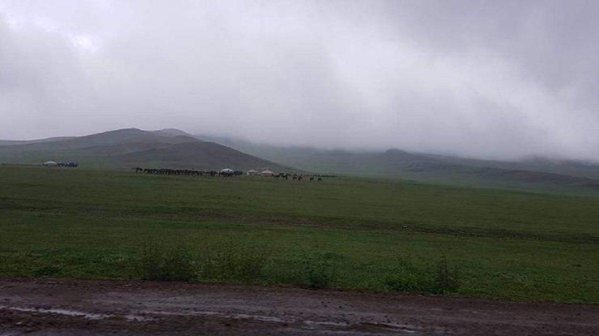 УЦУОШГ: Төвийн аймгуудын ихэнх нутгаар бороо, дуу цахилгаантай аадар бороо орно