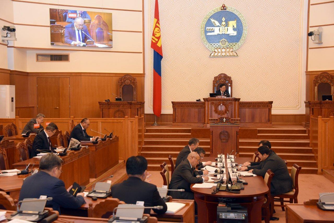 ЧУУЛГАН: Монгол Улсын Ерөнхийлөгчийн сонгуулийн тухай хуулийн төслийг хэлэлцэхийг дэмжлээ