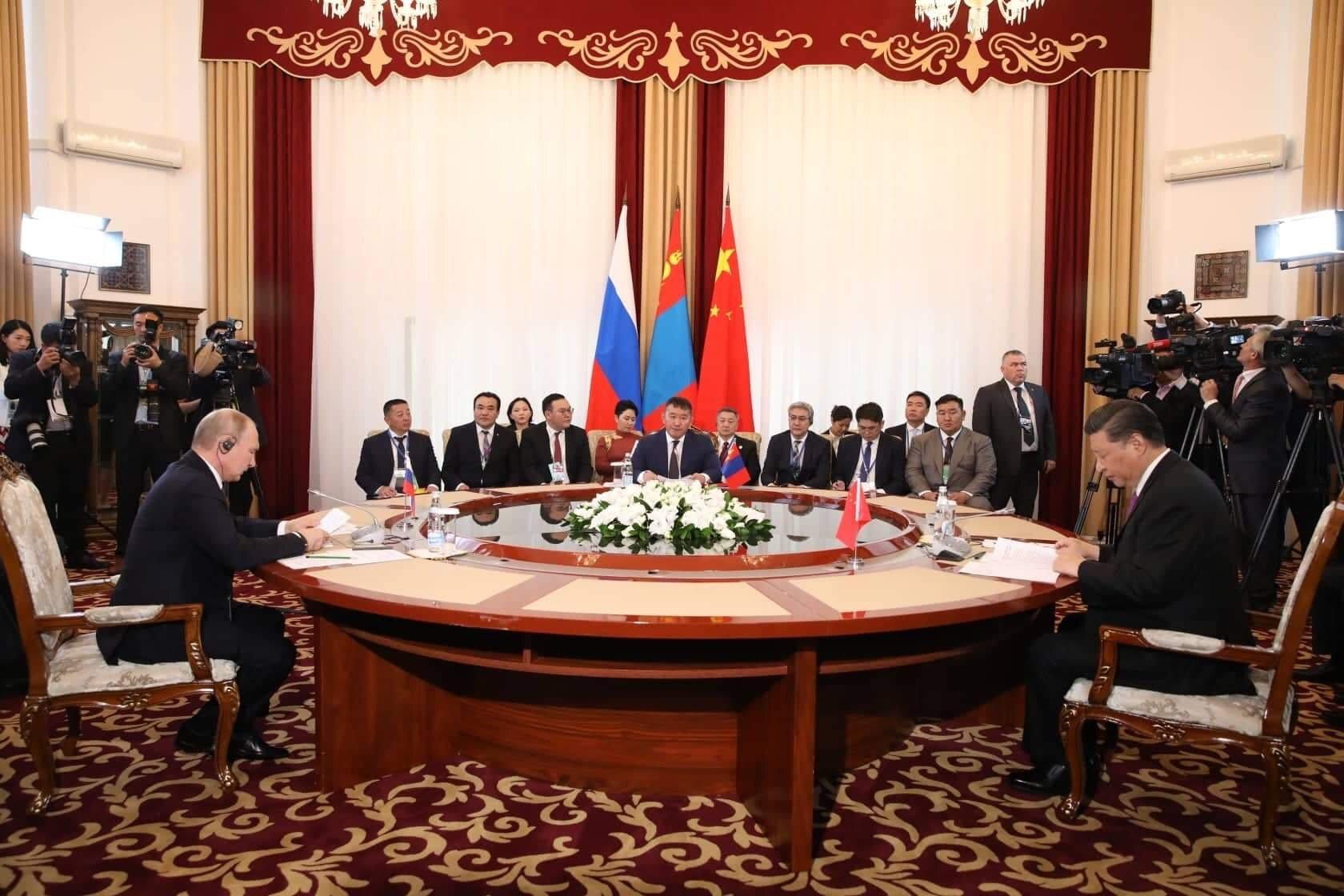 Монгол Улсын Ерөнхийлөгч Х.Баттулга Монгол Улс, ОХУ, БНХАУ-ын төрийн тэргүүн нарын тав дахь удаагийн дээд хэмжээний уулзалтыг даргалж, үг хэллээ