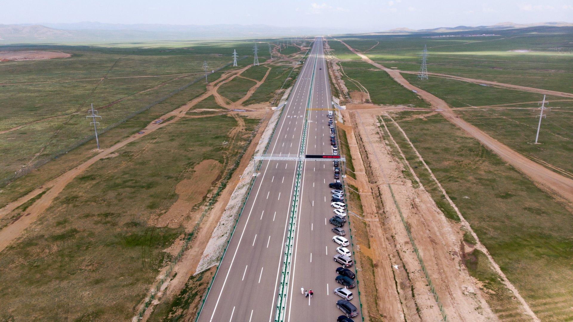 Сайн мэдээ: Монголын анхны хурдны зам ашиглалтад орлоо