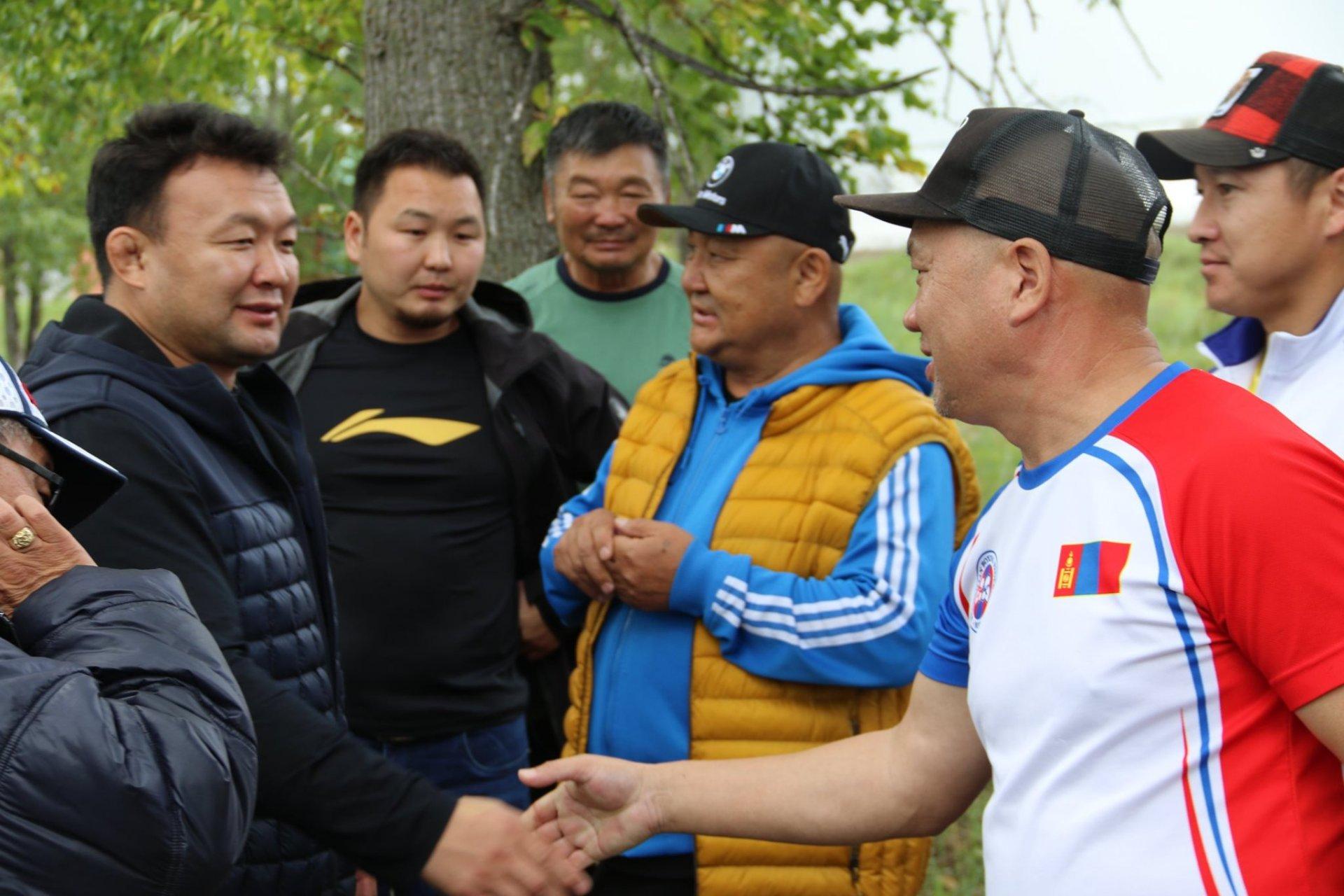 МҮОХ-ны Ерөнхийлөгч Н.Түвшинбаяр боксын шигшээ багийн бэлтгэлтэй танилцлаа