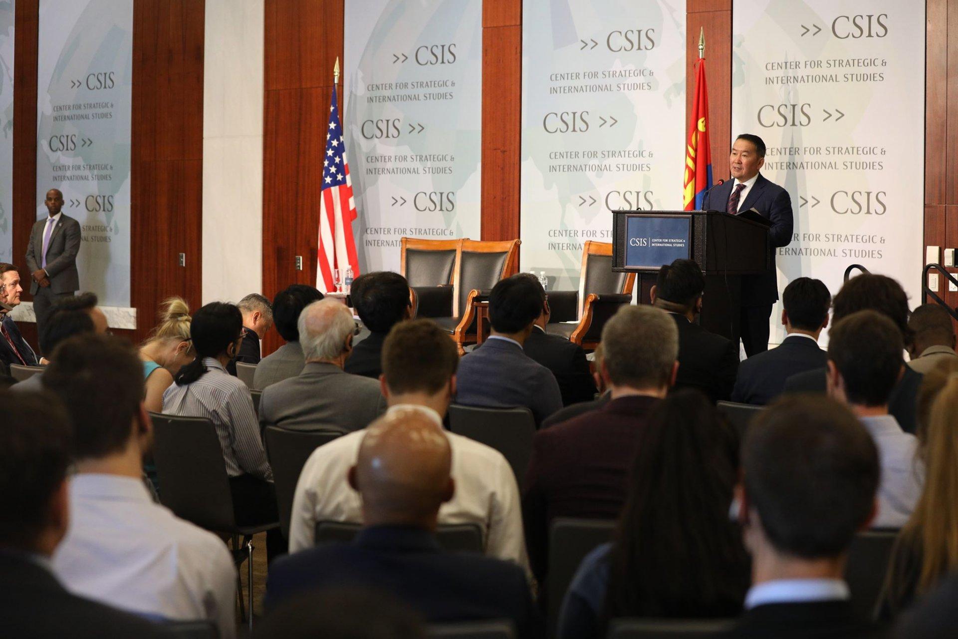 """Ерөнхийлөгч Х.Баттулга """"Монгол-АНУ-ын харилцааны төлөв байдал"""" сэдвээр уулзалт, ярилцлага өрнүүлэв"""