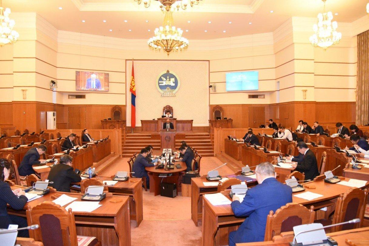 ЧУУЛГАН: Монгол Улсын 2020 оны төсвийн тухай хуулийн төслийг гурав дахь хэлэлцүүлэгтшилжүүллээ