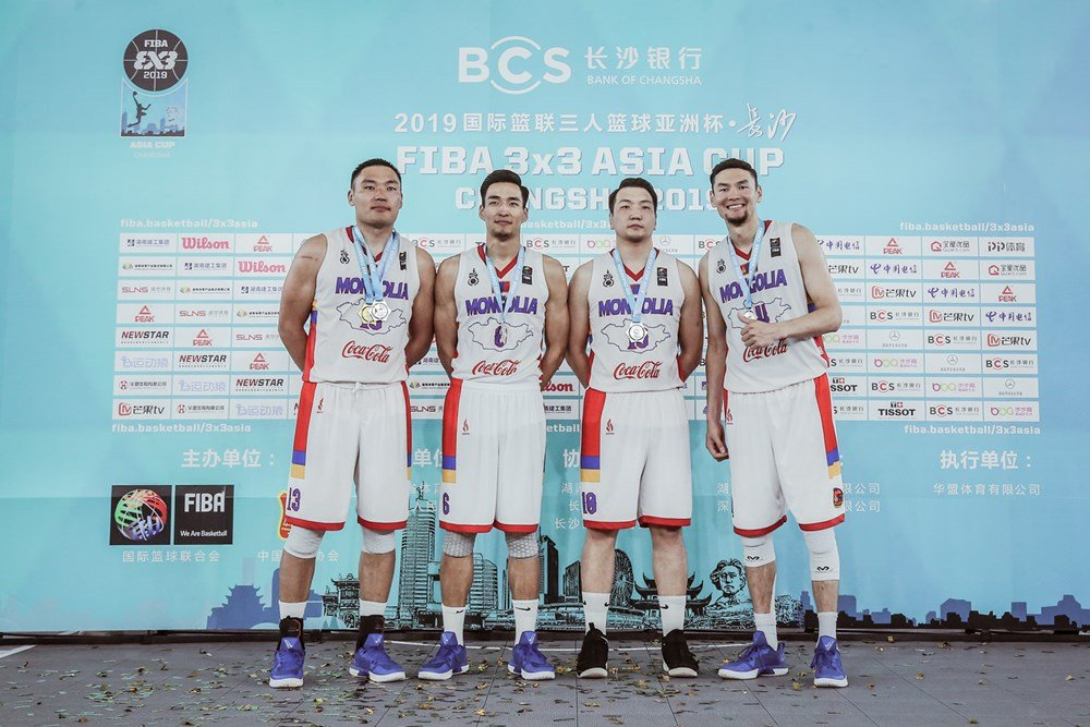 Сагсан бөмбөгчид Азийн аваргаас мөнгөн медаль хүртлээ