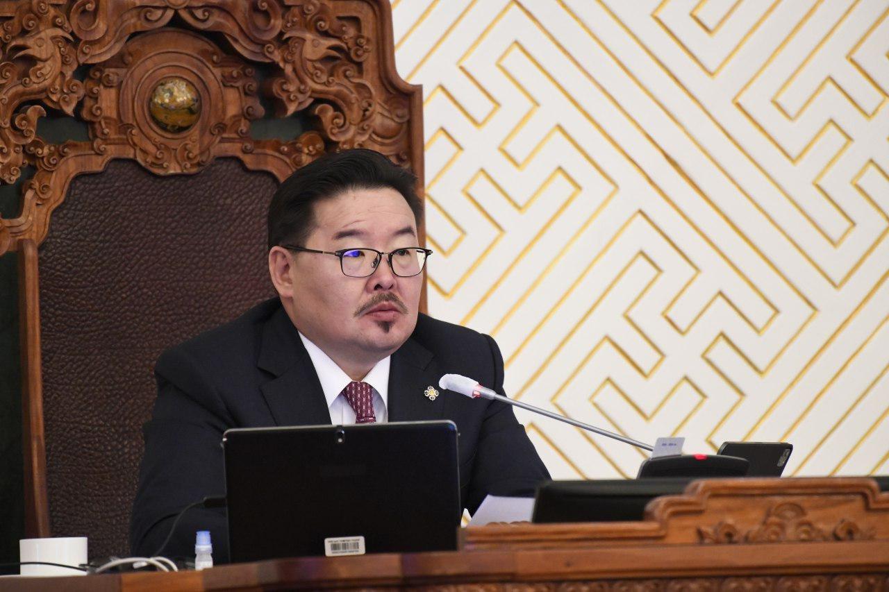 ЧУУЛГАН: Монгол Улсын 2021 оны төсвийн тухай хуулийн төслүүдтэй хамт өргөн мэдүүлсэн хуулийн төслүүдийг хэлэлцэж эхэллээ